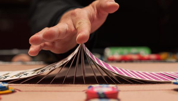 spela blackjack spel med proffs